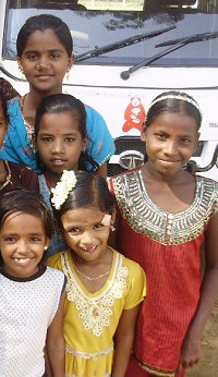 Children at Kaliyampoondi